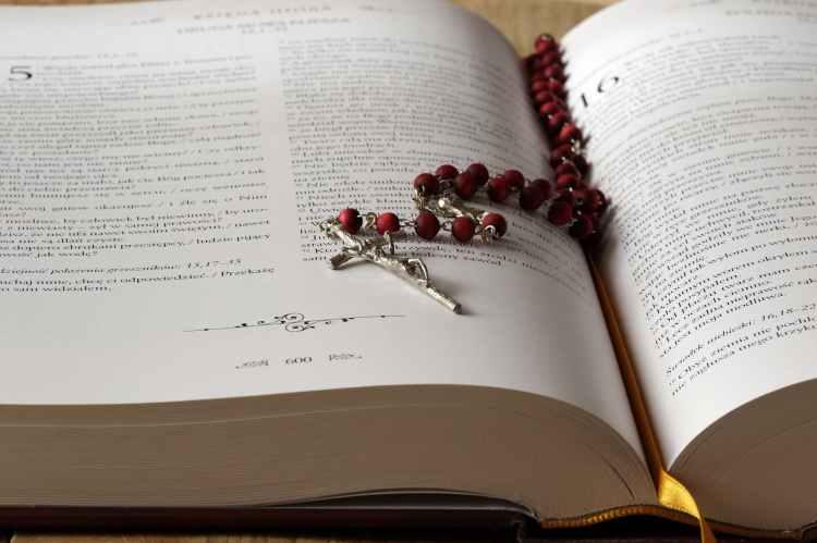 beads bible blur book
